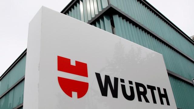 La sedia da la Würth a Cuira.