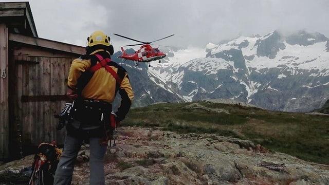 Video ««Hüttengeschichten» (2/4): Hüttenwart und Rettungsspezialist» abspielen