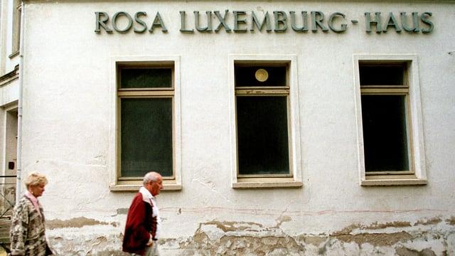 Tut n'è anc oz betg cler tar la communista Rosa Luxemburg.
