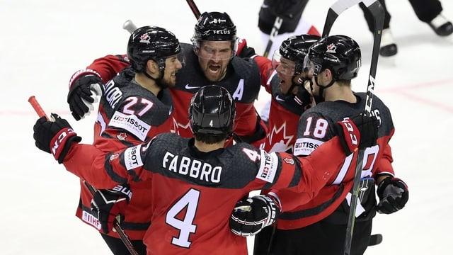 hockeyans dal Canada salegran d'in gol