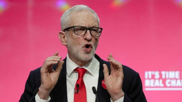 «Es ist Zeit für echte Veränderungen»: Labour-Chef Jeremy Corbyn stellt in Birmingham das Wahlprogramm vor.