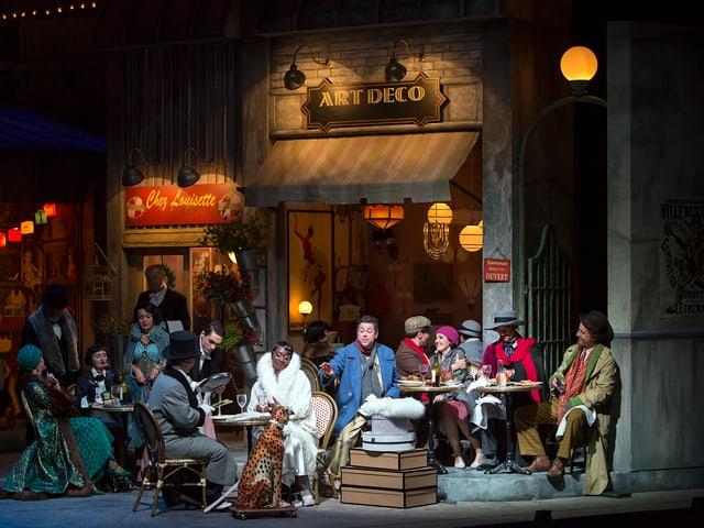 Das intellektuelle Paris feiert: Szene aus der Oper «La bohème».