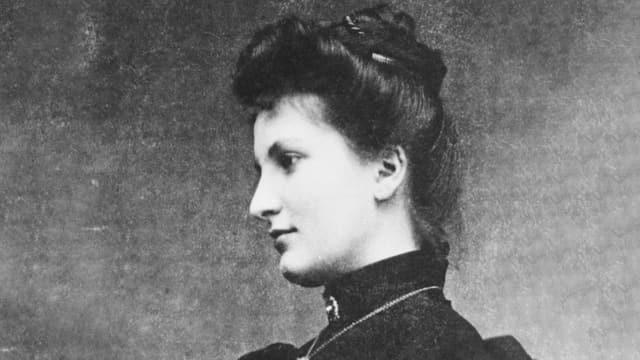 Schwarzweissbild eines jungen Frau