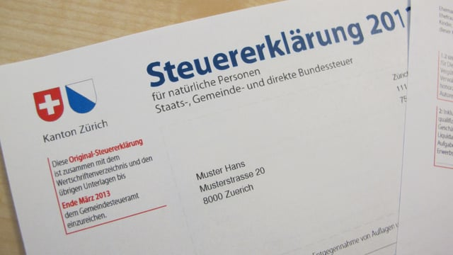 Foto einer Steuererklärung des Kantons Zürich.