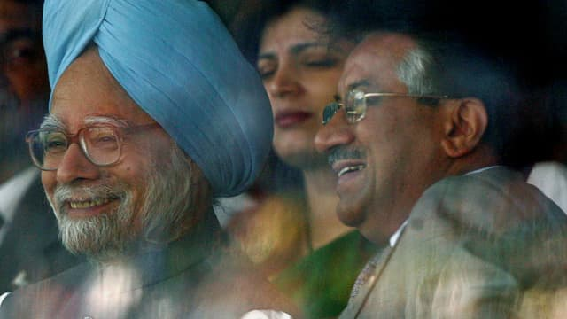 Indiens Ministerpräsident Manmohan Singh und der pakistanische Präsident Pervez Musharraf
