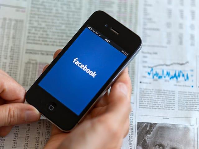 Facebook auf einem Smartphone