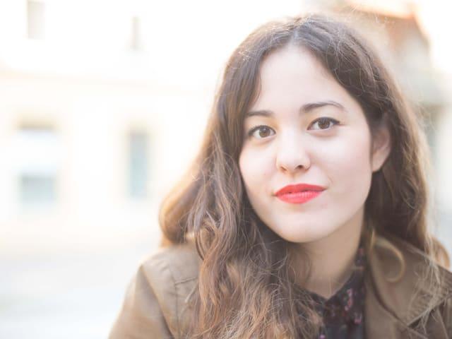 Yumi (25) aus Basel macht eine Ausbildung zur Jazzsängerin.