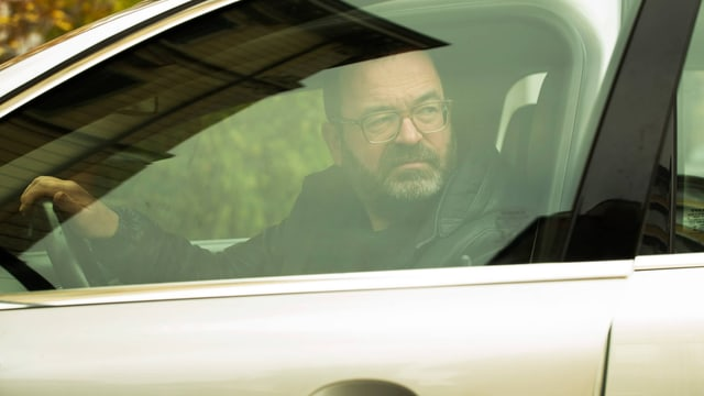 Max Küng im Auto