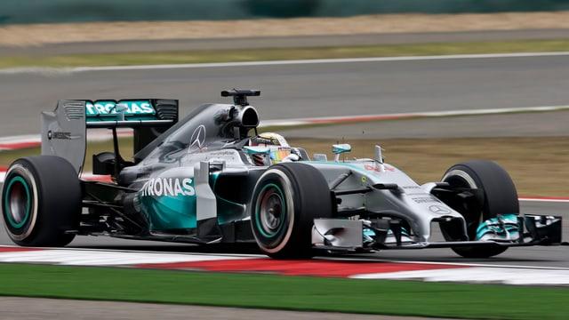 Lewis Hamilton stellt im freien Training zum GP von China die Bestzeit auf.