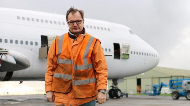 Markus Lang war als Projektleiter des Simulatoren-Centers Dübendorf verantwortlich für die Beschaffung des Jumbo-Cockpits in England.