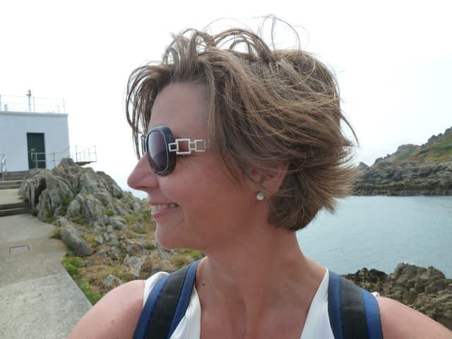 Martina Bernasconi mit Sonnenbrille