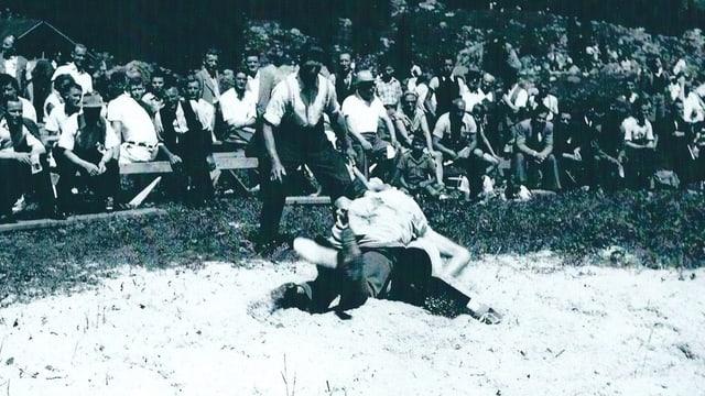 Schwarz weiss Foto der Schwägalp-Schwinget aus den Fünfziger Jahren.