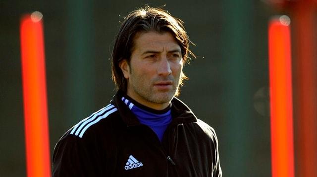 Murat Yakin im Trainingsanzug mit nachdenklichem Blick