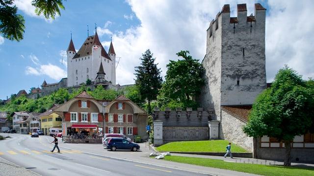Schloss im Hintergrund.