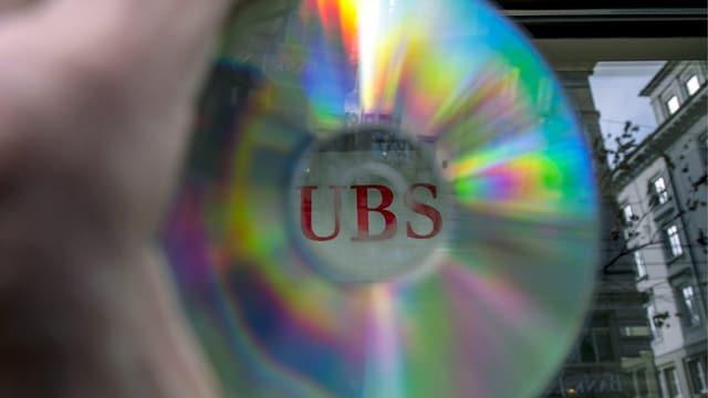 Las datas da la banca UBS eran enguladas.