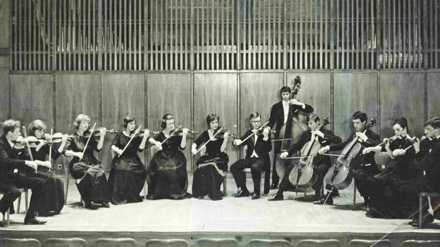 Eine historische Aufnahme der Camerata Bern.