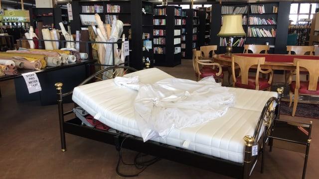 Ein Bett in der Brockenstube Luterbach