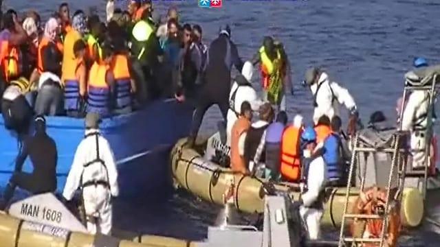 En pitschnas bartgas sur la Mar Mediterrana emprovan fugitivs adina puspè d'arrivar en l'Europa.