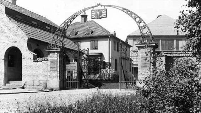 Häuser mit Tor-Eingang