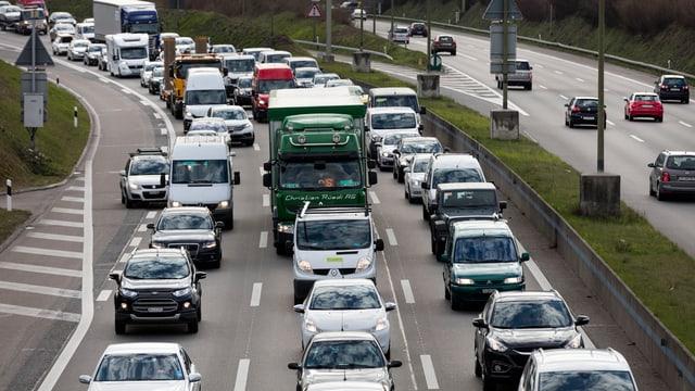 Stau auf Schweizer Autobahn