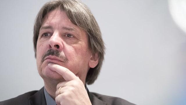 Paul Rechsteiner – politicher ed anteriur sindicalist – enconsucha bain il dretg da chauma e dretg da lavur.