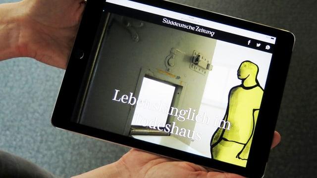 Screenshot, offene Gefängnistür, daneben ein gezeichneter Mann