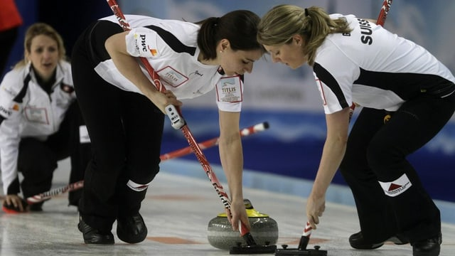 Hier gegen China lief es den Aarauer Curlerinnen noch rund. Gegen Schweden kassierten sie nun eine 0:9 Niederlage.
