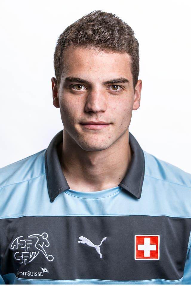 Der 19-Jährige ist nach dem Abgang von Andrea Guatelli die Nummer 2 beim FC Zürich hinter Stammkeeper David Da Costa. Hexte im vergangenen Sommer die U21 des FCZ zum Sieg am prestigeträchtigen Fifa Youth Cup.