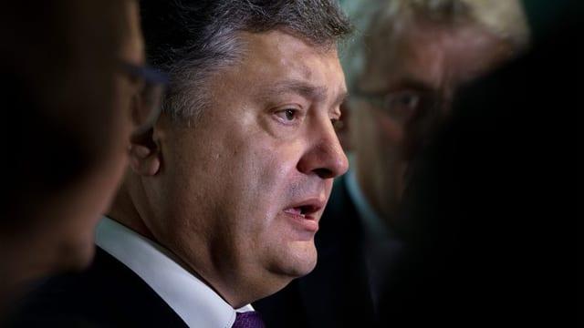 Petro Poroschenko vul terminar uschia il bumbardament permanent en il territori da Lugansk.