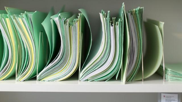 Documents da l'administraziun da finanzas.