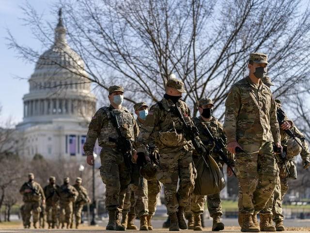 Nationalgarde vor dem Kapitol.