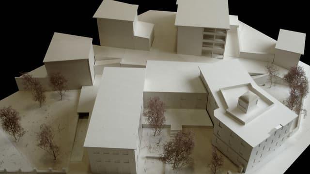 Blick auf das Modell des neuen Pflegeheims.