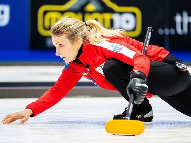 Skip Silvana Tirinzoni führt die Schweizer Curlerinnen in den Halbfinal.