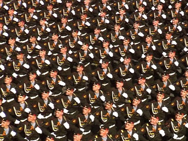 Soldaten auf dem Roten Platz in Moskau