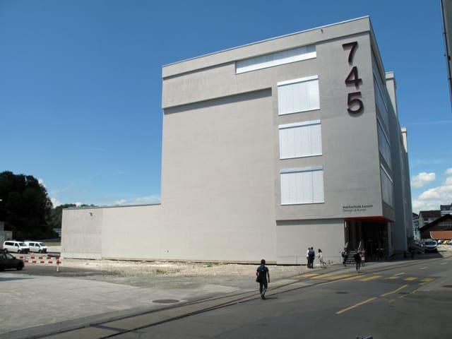 Das Gebäude der Hochschule Luzern Design&Kunst in Emmen.