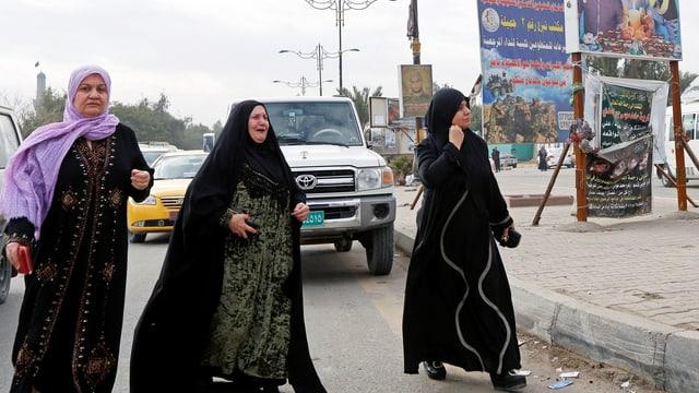 Trauernde Frauen nach dem Anschlag in Sadr-City.