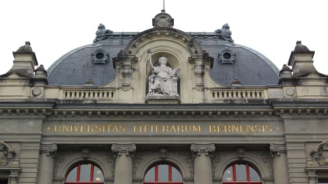 Kuppel der Universität Bern.