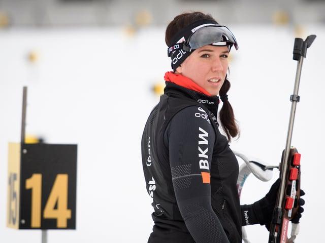 Lena Häcki hofft schaut ins Leere.