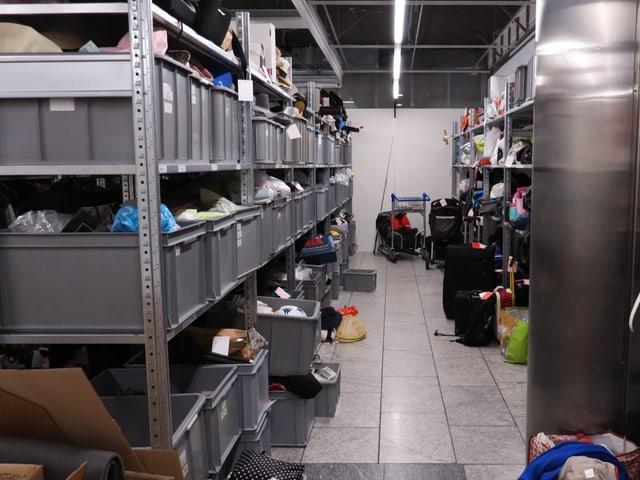 Dort war Kinderreporter «Rega205» unter anderem im Flughafenfundbüro.