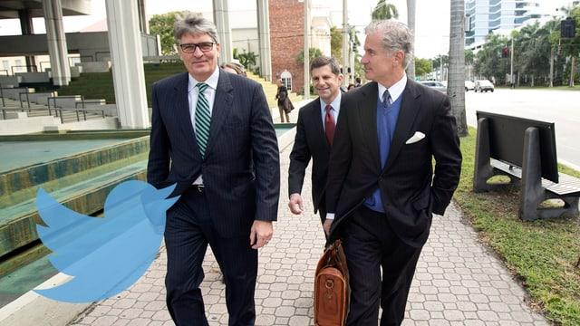 Raoul Weil mit seinem Anwalt auf dem Weg ans Gericht.
