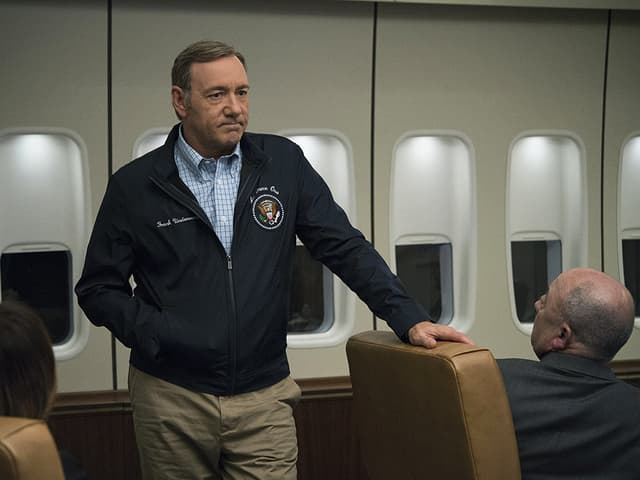Filmstill: Kevin Spacey als US-Präsident in der Air Force One.