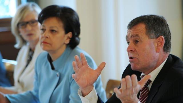 Regierungsräte: Regine Aeppli (SP), Ursula Gut (FDP) und Ernst Stocker (SVP)