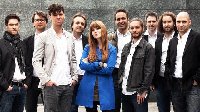 Luzia von Wyl und neun ihrer Musiker.