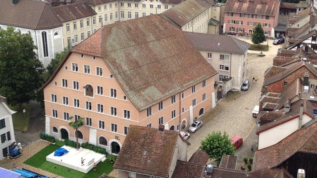 Altes Zeughaus in der Solothurner Altstadt, von oben gesehen (Aussicht Turm Kathedrale)
