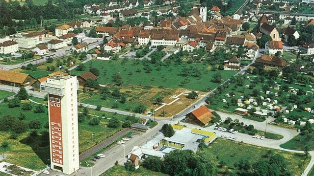 Luftaufnahme von 164: Bad Zurzach mit dem Turm
