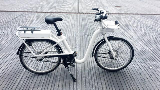 Klobiges E-Bike.