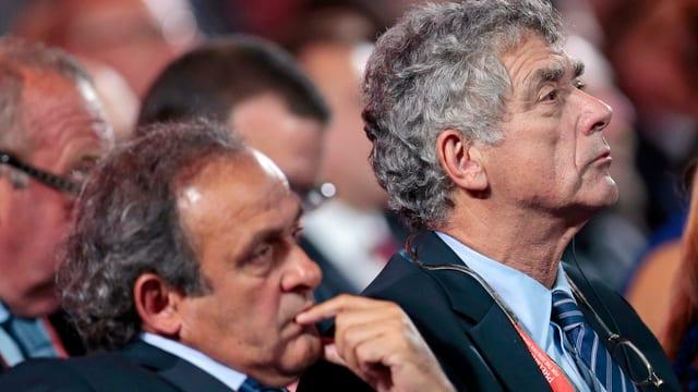 Der Spanier Miguel Angel Villar neben Platini