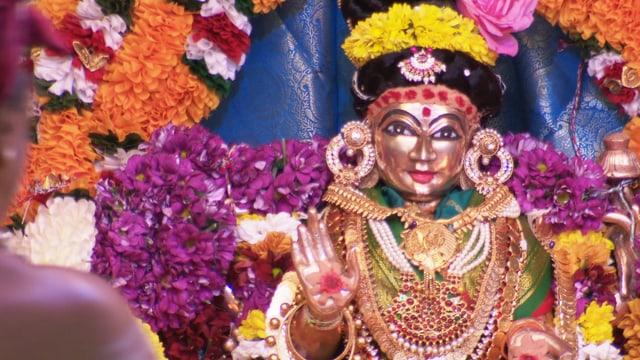 Eine Statue der Göttin Ampal.