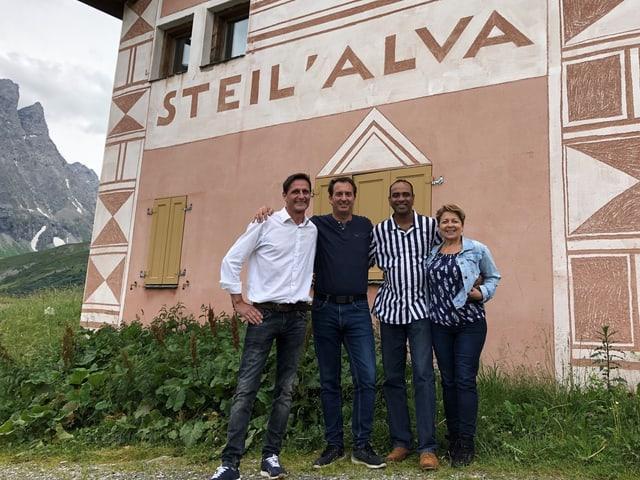 (da san.): Mario Bonvicini (Manader Steil'Alva), Oliver Bühler (Manader Edelweiss Catering), Deeptha Denedra Devapriya (schefcuschinier), Rita Grob (manadra finanzas Edelweiss Catering).