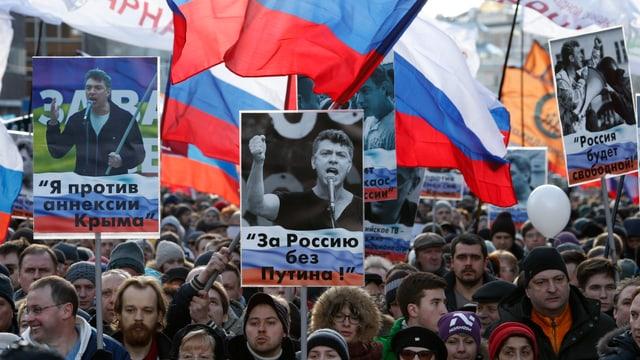 Demonstranten gedenken Boris Nemzow